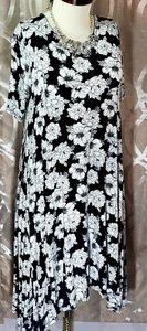 Large Black/White Floral Sway/Jopling Dress